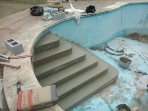 Reparación de piscina - escalera